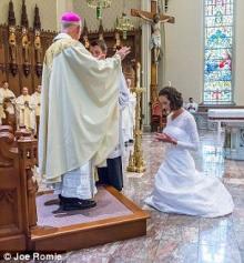 ამერიკელი ქალი იესო ქრისტეს გაჰყვა ცოლად