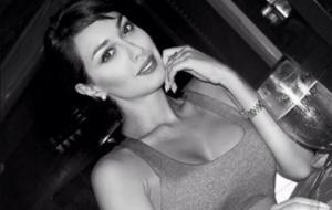 """ულამაზესი ირანელი მსახიობის """"ამორალური"""" ფოტოები,რომელმაც გაბედა და ჰიჯაბი მოიხსნა"""
