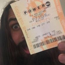 აშშ-ს ისტორიაში ლატარეის ბილეთმა ყველაზე დიდი თანხა მოიგო-1,5 მილიარდი$+დაწყევლილი Powerball-ი