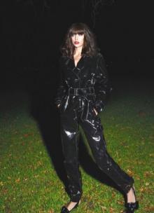 ირინა შეიკის ცხელი ფოტოსესია Vogue-ისთვის