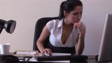 ექსპერიმენტმა დაამტკიცა,რომ ქალი დეკოლტეთი უფრო ადვილად შოულობს სამსახურს