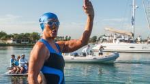 დაუჯერებელია- 64 წლის ქალმა 177 კილომეტრიანი სრუტე გადაცურა