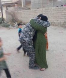 ჯარისკაცი რომელიც 2 წელი იმ იდეით ცხოვრობდა რომ დედამისი გარდაცვლილი იყო