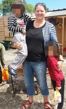 ბრიტანელი ქალბატონი რომელმაც საკუთარი სიცოცხლე რისკის ქვეშ დააყენა რათა არასრულწლოვანთა სიცოცხლე ეხსნა