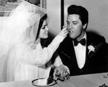 ცნობილი ადამიანების უნიკალური საქორწინო ფოტოები