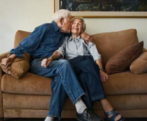 მეუღლეს ცოლის გაოცება კვლავ შეუძლია ქორწინებიდან 20 წლის შემდეგაც კი