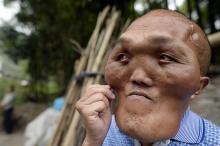 """""""უცხოპლანეტელი"""" ჩინეთიდან ოცნებობს """"ადამიანი"""" გახდეს"""