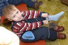როგორ ჩააცვა ბაღის აღმზრდელმა ბიჭუნას ფეხსაცმელი - სახალისო ამბავი, რომელიც თან დაგაფიქრებთ
