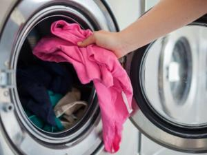 აუცილებლად გარეცხეთ ახალი ნაყიდი ტანსაცმელი და აი რატომ