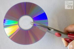 მათ ჩვეულებრივი CD დისკები დაჭრეს და ნანახმა ყველა გააოცა