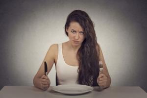 5 რამ, რაც არასოდეს უნდა გააკეთოთ ჭამის შემდეგ. ის, რაც აუცილებლად უნდა იცოდეთ!
