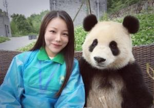 კარგი ამბავი ჩინეთიდან. პანდამ იცის როგორ გადაიღოს ძალიან საყვარელი სელფი