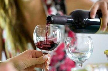 როგორ არ უნდა დალიოთ ღვინო