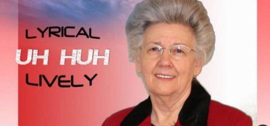 74 წლის რეპერი ქალბატონის ალბომი iTunes -ის ჰიტ-აღლუმს სათავეში მოექცა