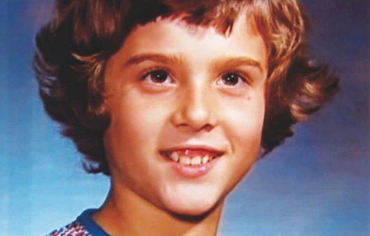 წარუმატებელი ექსპერიმენტის მსხვერპლი ბიჭის ტრაგიკული ისტორია, რომელიც გოგოდ აღზარდეს