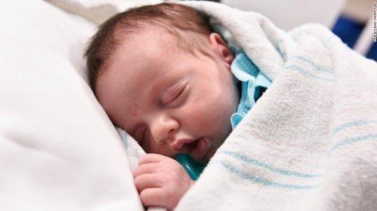 მსოფლიო სენსაცია, ბავშვი, რომელიც ორჯერ დაიბადა