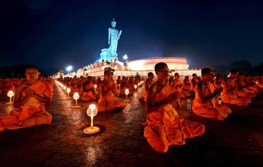 100 000 ბუდისტი ლოცულობს მსოფლიოს მშვიდობისთვის