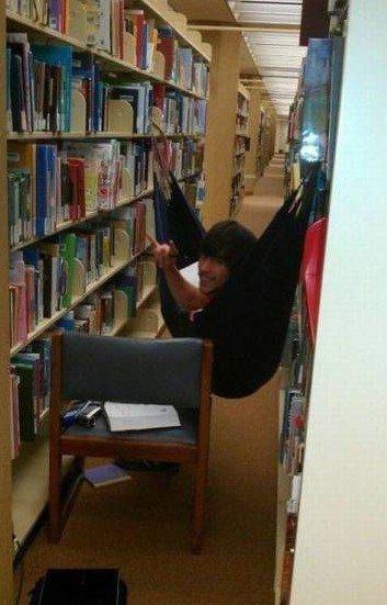 არ გაქვს ფული მოგზაურობისთვის?-წადი ბიბლიოთეკაში.
