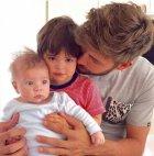 პიკე შვილებთან ერთად