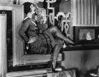 გასული საუკუნის 20-იანი წლები. შანელის პირველი  მოკლე  შავი კაბა
