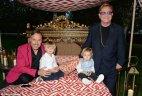 ელტონ ჯონის ოჯახური ფოტო