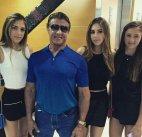 სტალონე ქალიშვილებთან ერთად