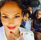 ჯეი ლო შვილებთან ერთად