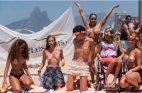 ბრაზილელი ქალების საპროტესტო ტოლპესი პლაჟზე
