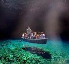 (საბერძნეთი, მელისსანი) მღვიმე განსაკუთრებულად სუფთა წყლით