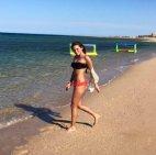 ნინი ონიანი პლაჟზე