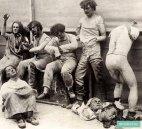 დამდნარი და დაზიანებული თოჯინები დიდი ხანძრის შემდეგ მადამ ტიუსოს მუზეუმში, ლონდონი, 1930 წელი