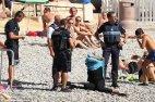 პოლიციამ მუსულმან ქალს  აიძულა პლაჟზე ბურკინი  გაეხადა (ნიცა)