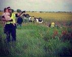 პოლიციელი ართობს გოგონას, რომლის მამაც ამ საშინელ ავტოავარიაში დაიღუპა
