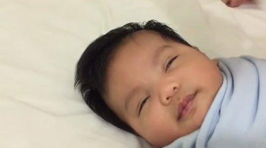 ხრიკი, რომლითაც ჩვილს ნახევარ წუთში დააძინებთ