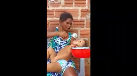 თუ გინდათ ბავშვს სწრაფად აჭამოთ, მიბაძეთ ამ ქალს