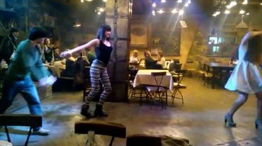 ქართველი ულამაზესი გოგოს ცეკვა რესტორანში