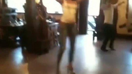 ცეკვით დიდი ვერაფერია, მაგრამ შხვართივით გოგო კია ეს მოცეკვავე ქართველი