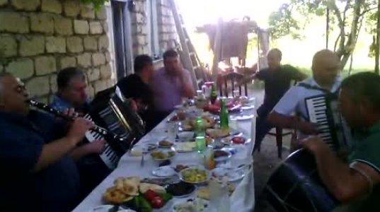 ნამდვილი ქართული სუფრა