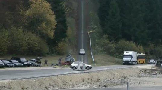 რა ხდება, როცა 200 კმ/სთ სიჩქარით მოძრავი მანქანა ავარიაში ხვდება