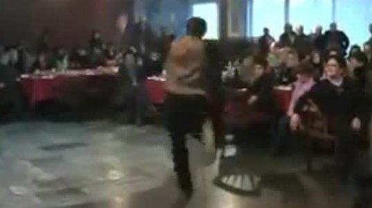 ეს ფანტასტიურად მოცეკვავე ახალგაზრდა დღეს სასულიერო პირი მამა საბაა