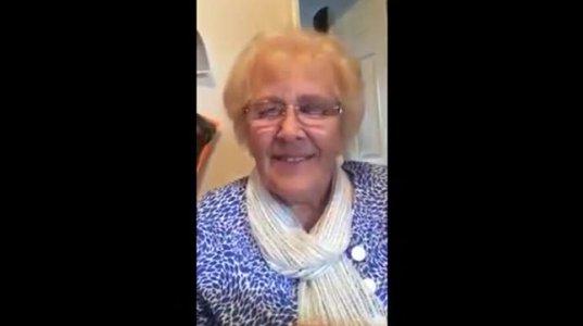 ბებიას რეაქცია, როდესაც მან აპლიკაცია ''MSQRD''საკუთარ თავზე გამოსცადა