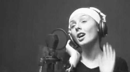 90-ანი წლების ქართველ ვარსკვლავთა სიმღერა-ჰიმნი დედაზე
