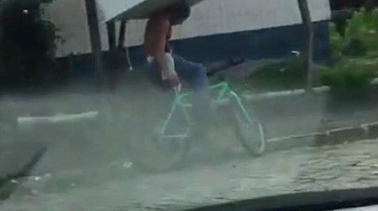 მაცივარის გადატანა ველოსიპედით