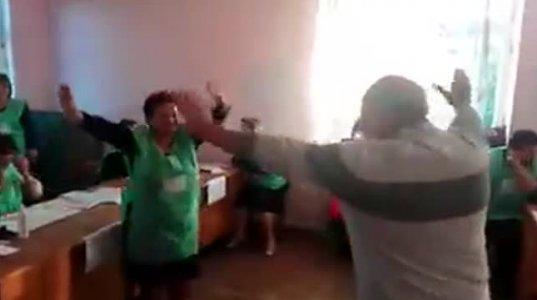 საარჩევნო უბანზე შალახოს ცეკვავენ