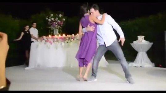 ქართულ ქორწილში მეჯვარეების მიერ შესრულებული ცეცხლოვანი ცეკვ