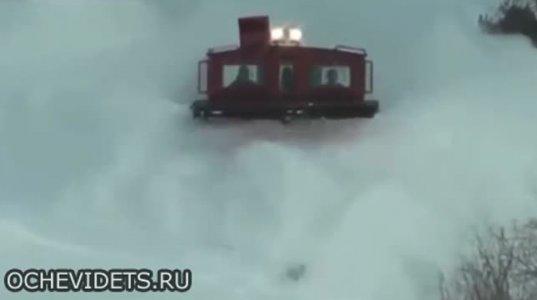 თოვლსაწმენდი მატარებელი მოქმედებისას საოცარი სანახავი კი ყოფილა
