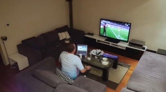 ნახეთ ცოლი ქმარს გააგიჟებს ფეხბურთის მატჩის დროს !!