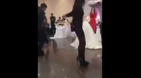 ქუსლებზე სიარულისა და ქართული ცეკვის მასტერი