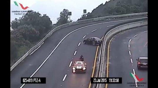 ყველაზე საშიში მოსახვევი მექსიკაში. ავტო-საგზაო შემთხვევა ყოველ დღე!