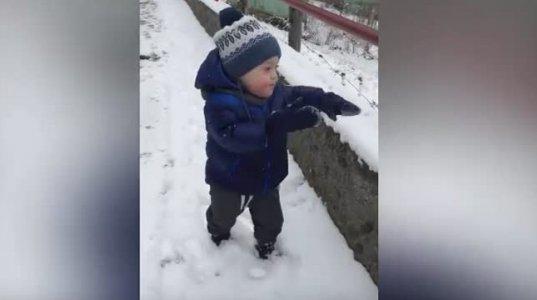 თემო პირველად თოვლში-პირველი ლედი თემო მარგველაშვილის ვიდეოს აქვეყნებს